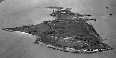 What We Found at Hart Island, The Largest Mass Grave Site In the U.S.