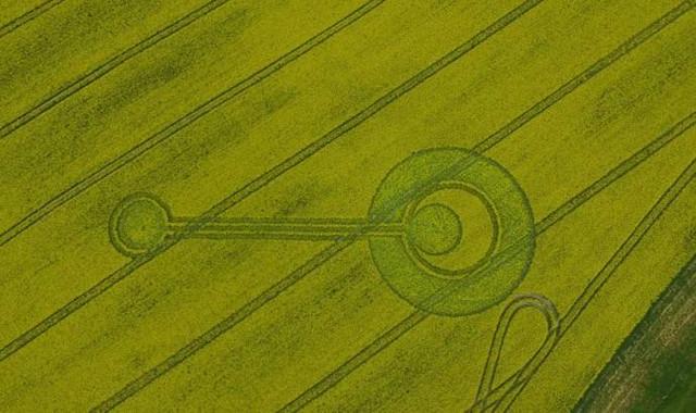 Зафиксирован в английской деревне Черхилл круг на поле