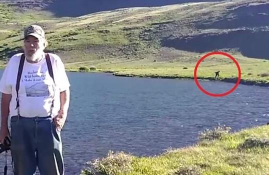 Снежного человека сняли бегущим возле озера