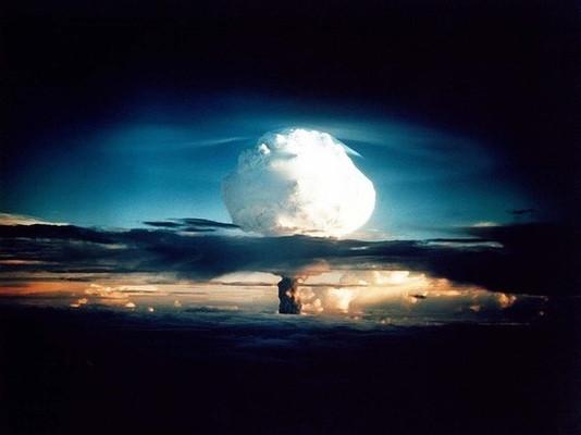 Инопланетяне вмешались в ядерные испытания, заявил американский военный