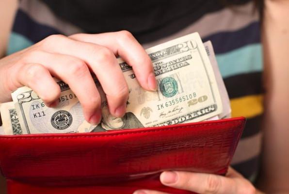 Как хранить деньги в кошельке, чтобы их там становилось больше