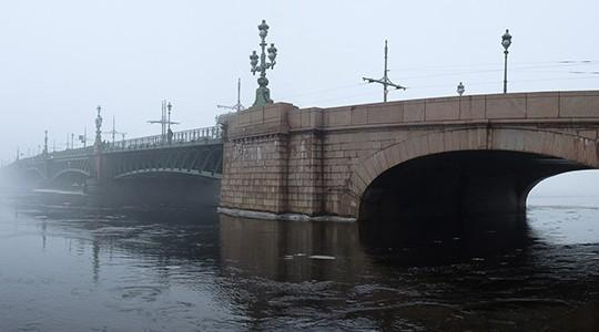 Двери в другой мир: Тень хозяина Петербурга и свита призраков города