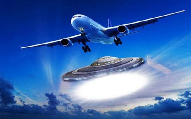 НЛО преследует российские истребители СУ-34