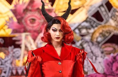 Черная Месса: сатанинский модный показ в церкви на Неделе Моды в Лондоне
