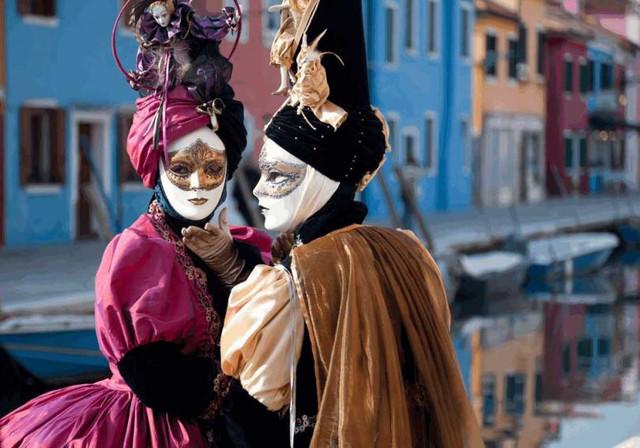 Венецианский карнавал: Веселое событие связано с опасностями перемещения во времени