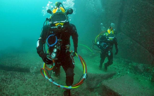 Военные столкнулись под водой с пришельцами ростом более трех метров