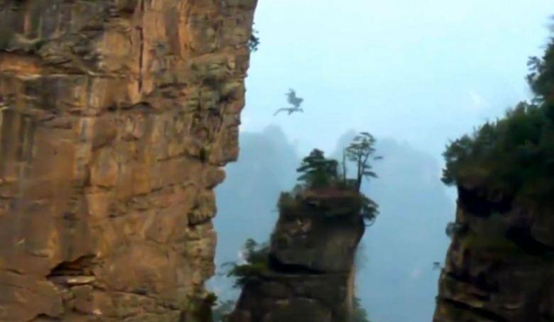 В Китае снова сняли на видео таинственного дракона в небе?