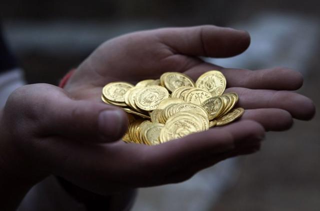 Заговоры для денежного достатка
