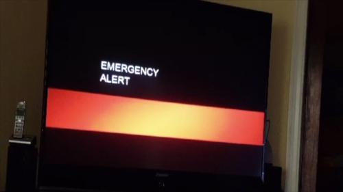 По телевизору Калифорнии говорят, что Конец Света наступит в субботу, 25 ноября.