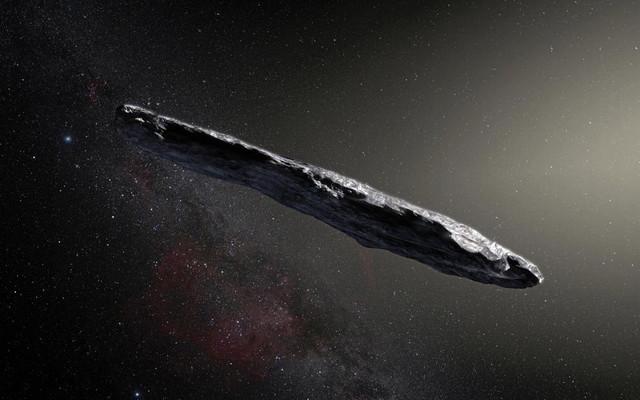 В Солнечную систему вошел астероид, похожий на огромный космический корабль.