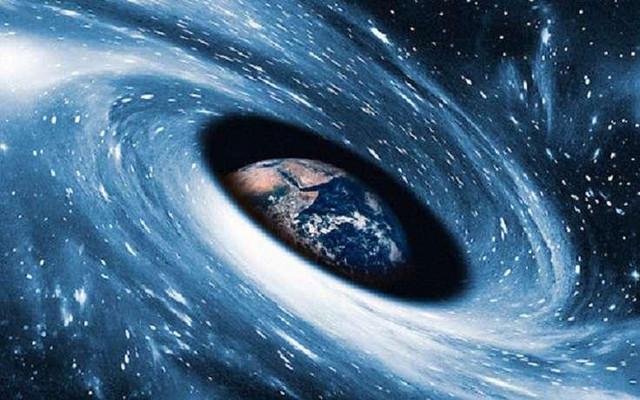 К Земле несется невидимая черная дыра, считают астрономы