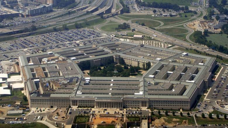 Бывший чиновник Пентагона рассказал телезрителям канала CNN об инопланетянах