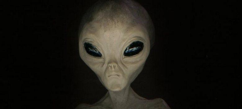 Ребенок, который буквально притягивал инопланетян и НЛО