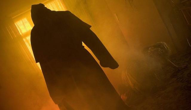Печально известный Черный Монах Понтефракта попал в объектив камеры