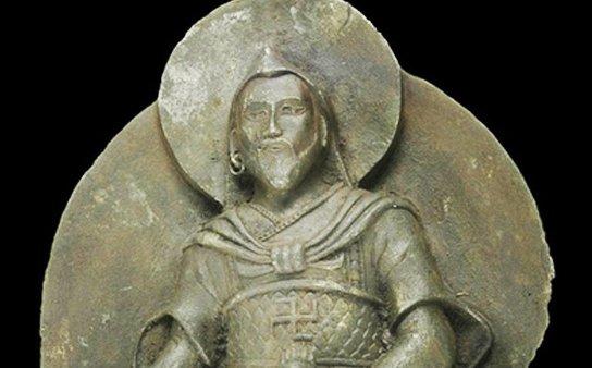 Стало известно, откуда в Германии появилась внеземная статуя Будды