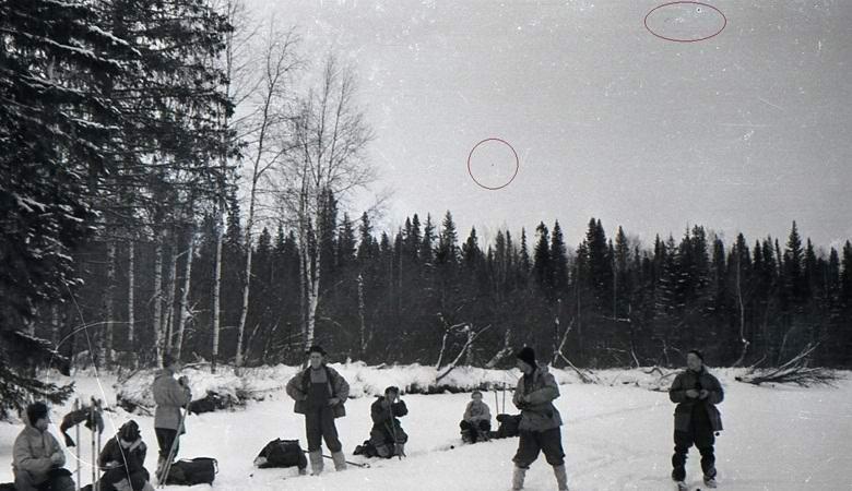 Конспиролог нашел «летающие тарелки» на снимках тургруппы Дятлова