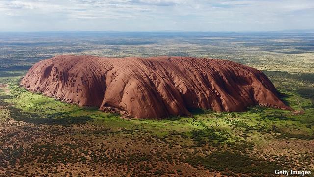 Австралиец считает, что подвергся проклятию, потому что взял камень из священного места