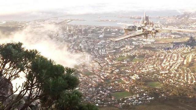 В небе над Кейптауном заметили хрономираж - летающий город