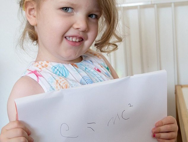 В Великобритании у 3-летней девочки обнаружили уровень IQ выше, чем у Эйнштейна