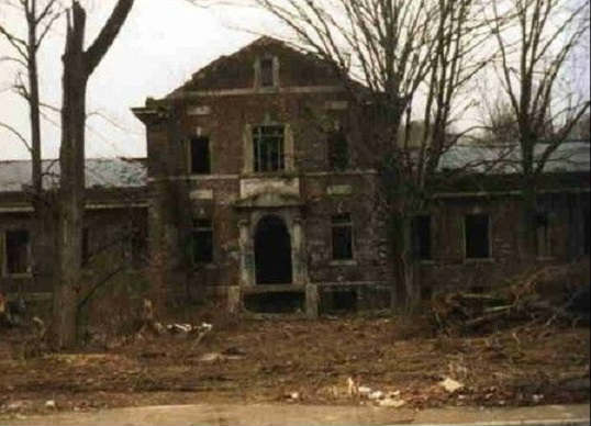 Жуткие легенды вокруг заброшенного «Адского города» в штате Огайо