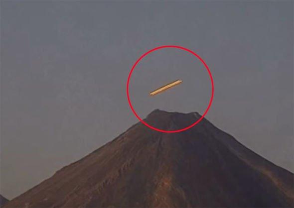 И снова сигаробразный НЛО над вулканом Попокатепетль