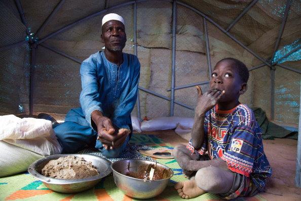 Пандемия COVID-19 может удвоить число людей, страдающих от голода