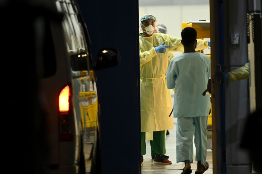 Почему коронавирус задерживается у некоторых бессимптомных пациентов до 40 дней