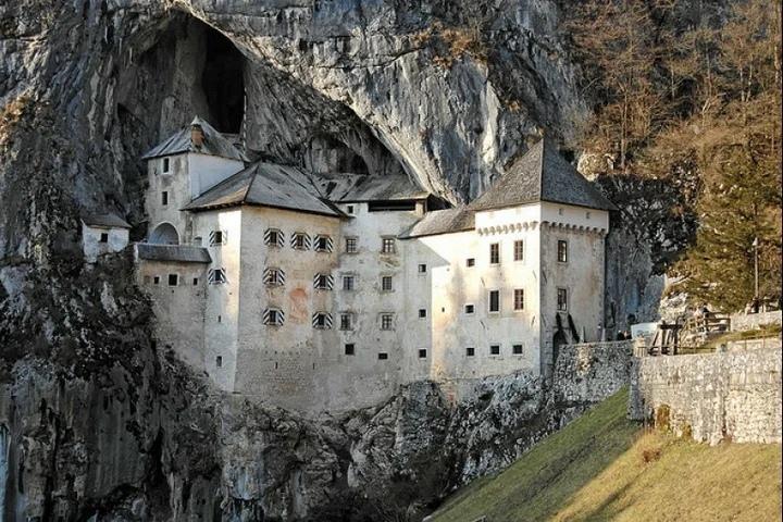 Предъямский Замок – Обитель Словенского «Робин Гуда»
