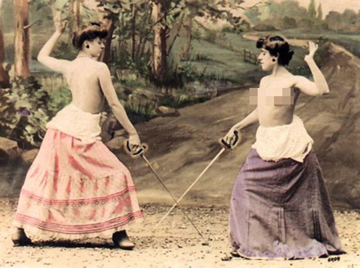 Почему женщины участвовали в дуэли голыми?