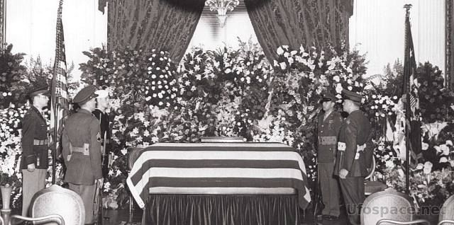 Франклин Рузвельт: Почему президента хоронили в закрытом гробу? (болезнь)