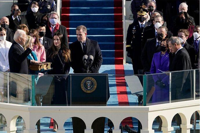 Два Папы, два президента… куда катится этот мир?