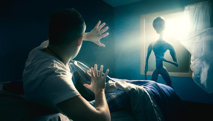 Астроном предложил искать инопланетян с помощью теории игр