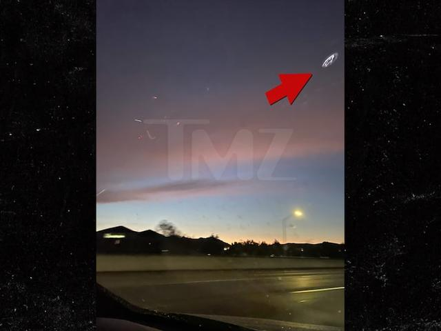 Ну вот, марсиане и прилетели: над Лос-Анджелесом появился маточный корабль.