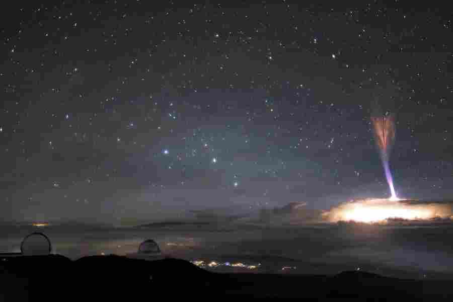 Странные световые вспышки над Гавайями и Азербайджаном