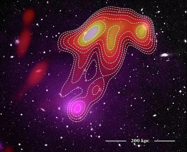 """Астрономы впервые наблюдали загадочную """"космическую медузу"""""""