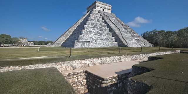 Кто построил древние пирамиды Мезоамерики
