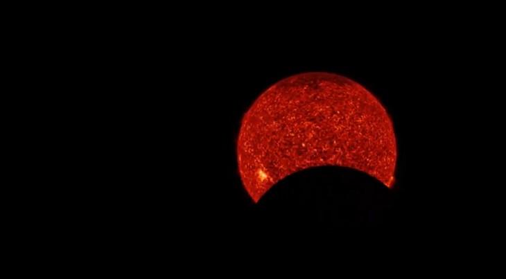 И снова возле Солнца странный круглый объект