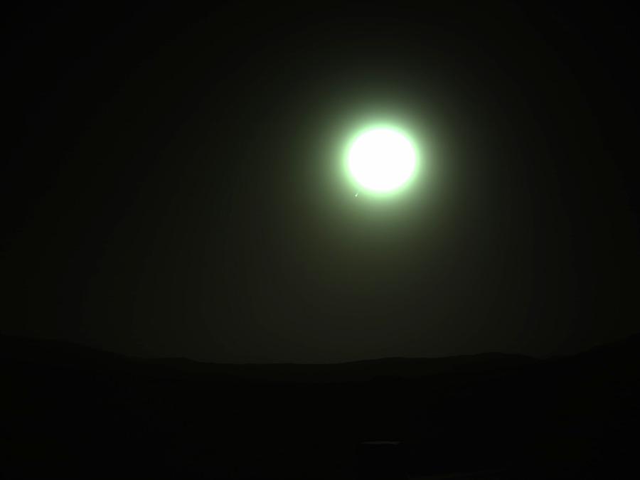 Даже марсоход уже видит Нибиру, но наблюдениям NASA она недоступна
