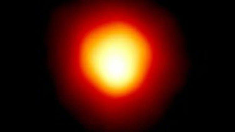 Сверхгигант Бетельгейзе может производить частицы темной материи