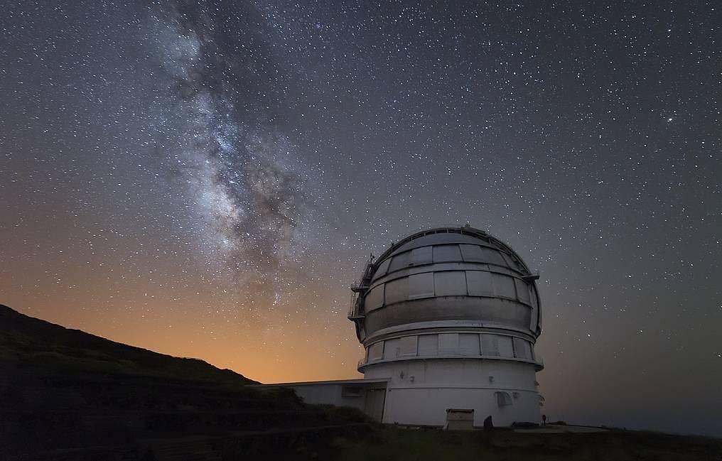 Крупные астероиды в первые эпохи существования Земли падали на нее каждые 10-15 млн лет