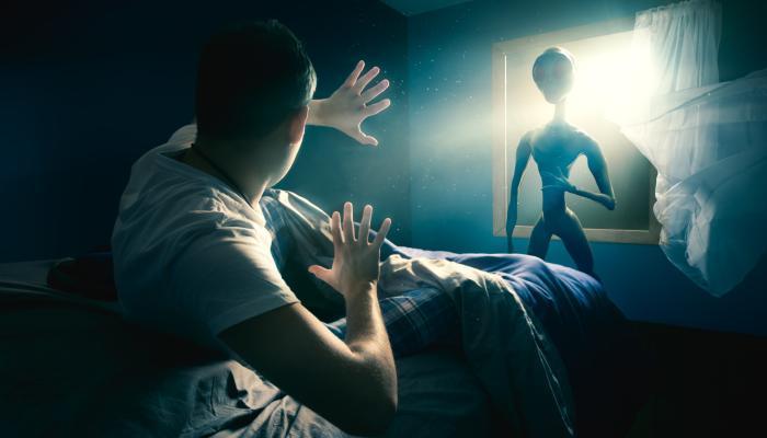 Сообщения людей о встречах с пришельцами - сон
