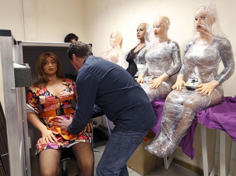 Женщины секс с роботами