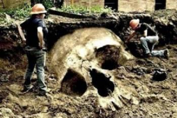 Смитсоновский институт уничтожил тысячи гигантских останков человека
