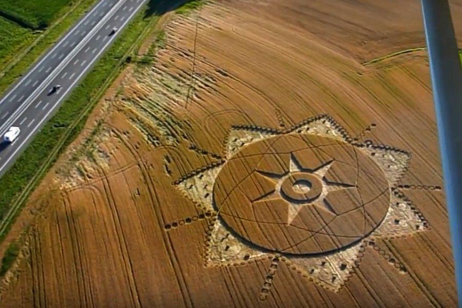 На севере Италии на пшеничном поле найден необычный круг