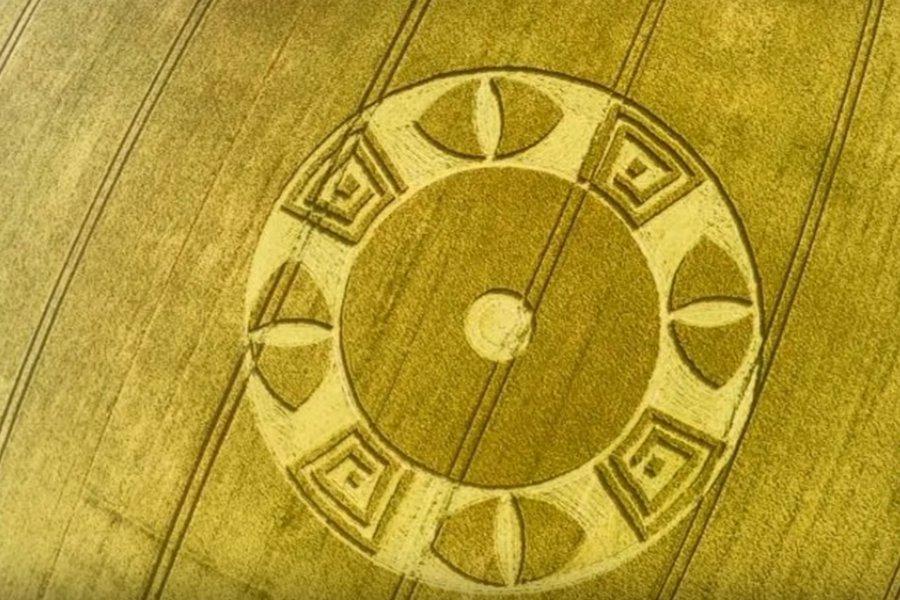 Графство Уилтшир снова украсили круги на полях