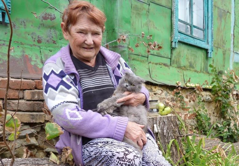 Знахарка из села Кучки гадает, лечит рак и водит дружбу с домовым