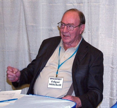Google Image – An image of Dr Edgar Mitchell taken in 2009.